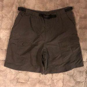 Royal Robbins hiking shorts w/belt- olive sz Med